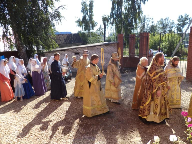 Во время крестного хода в Лыскове