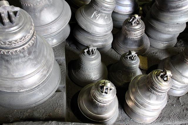 Современный вид колоколов. Колокольный завод Николая Шувалова в г. Тутаеве (Ярославская область)