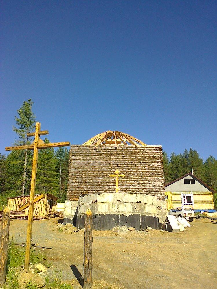 Храм в Ивделе на этапе строительства