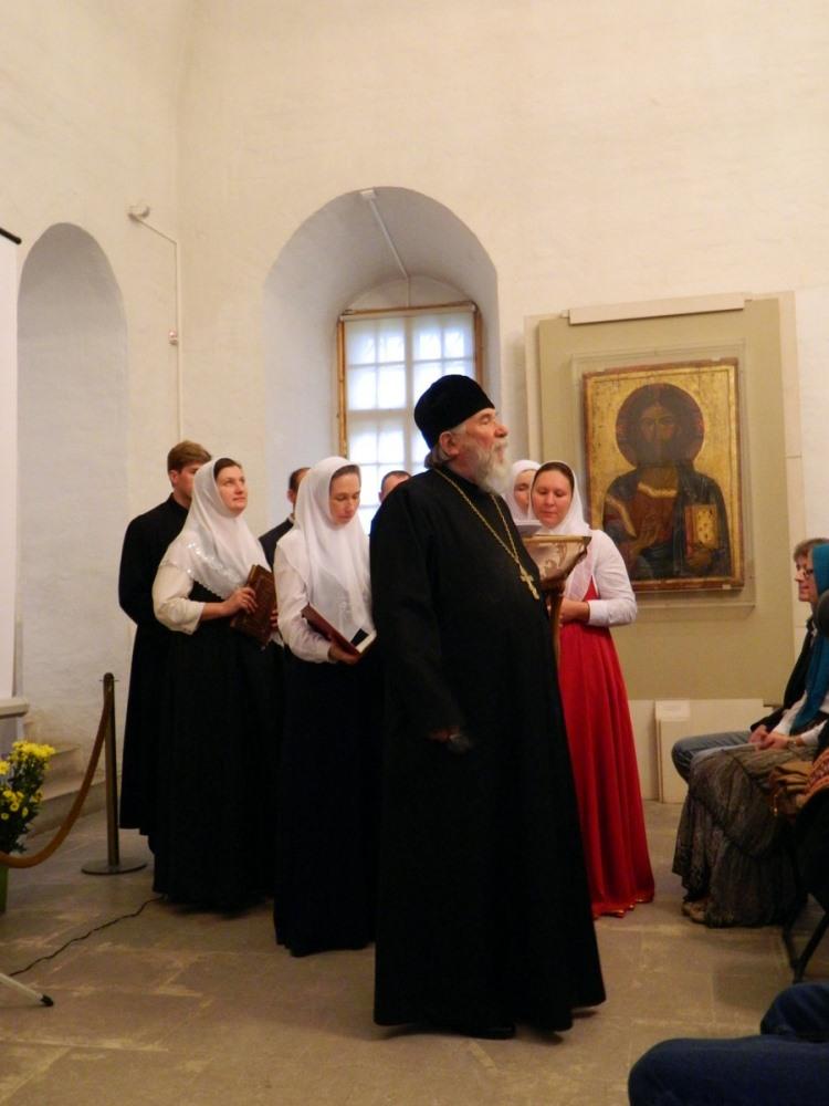 Протоиерей Леонтий Пименов на открытии музейной программы «Знакомство с Москвой старообрядческой» 14 сентября 2014 года