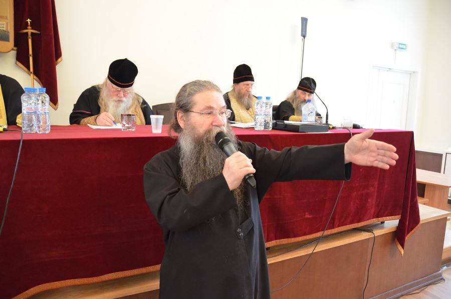 Протоиерей Валерий Шабашов на Освященном Соборе РПСЦ в октябре 2014 года