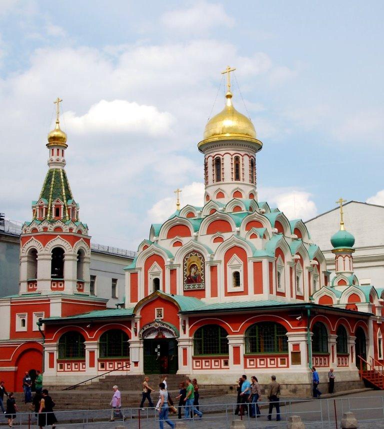 Казанский собор на Красной площади. Построен в 1990-х. Современный вид
