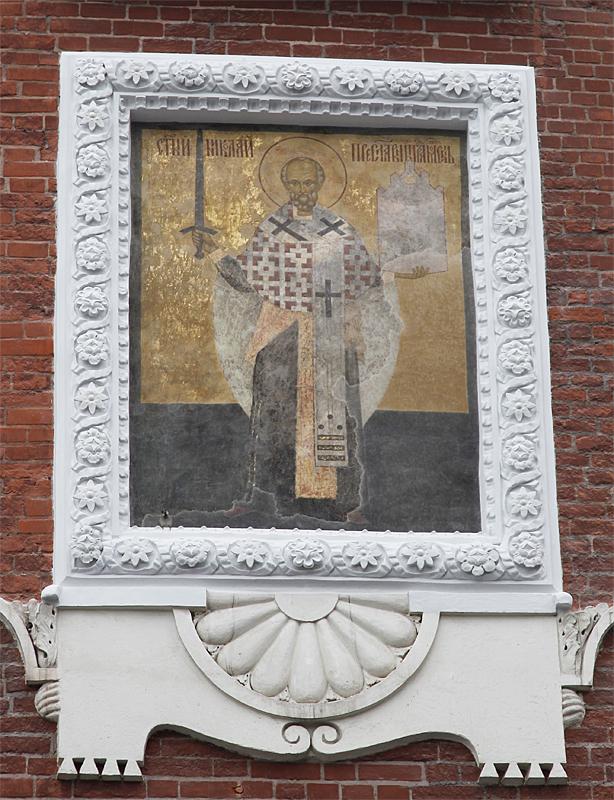 Роспись на Никольской башне Московского Кремля. Конец XV — начало XVI века