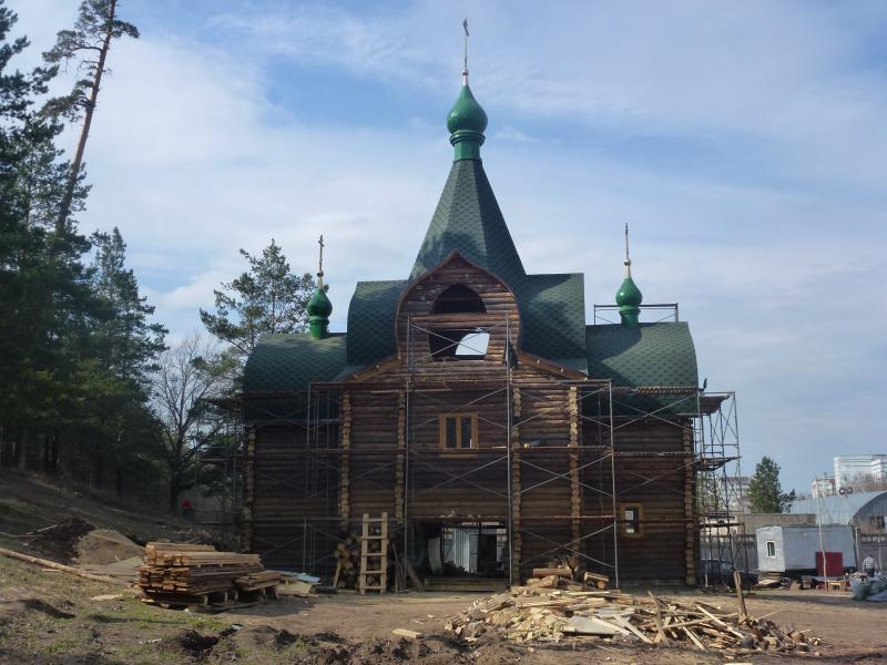 Надвратный храм иконы Пресвятой Богородицы «Всем скорбящим Радость» в г. Тольятти на этапе строительства. 2015 год