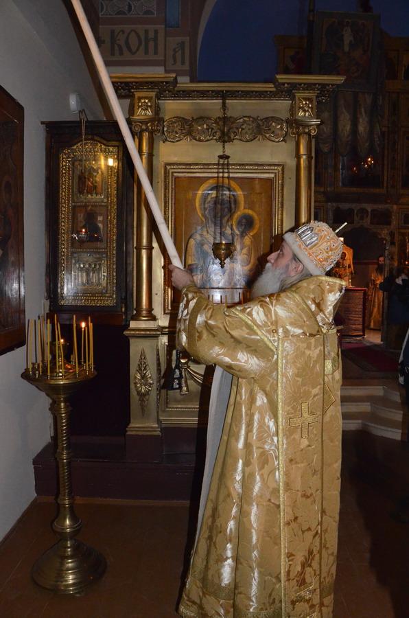 Во время чина освящения храма колокольни Воскресения Христова