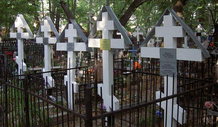 Могилы старообрядцев на Рогожском кладбище в Москве
