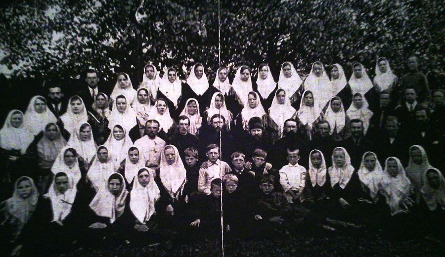 Хор певчих I Покровской старообрядческой церкви в г. Ржеве