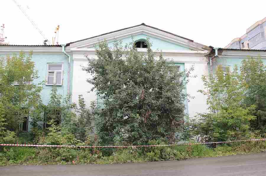 Здание бывшей Свято-Троицкой церкви РПсЦ (а также уже бывшего тубдиспансера) в Екатеринбурге. Фото Максима Гусева