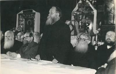 Собор Старообрядческой Поморской Церкви в Вильнюсе, июль 1974 г. С приветственным словом к делегатам собора обращается председатель Духовного Суда при ВСС Литвы Иосиф Иванович Никитин