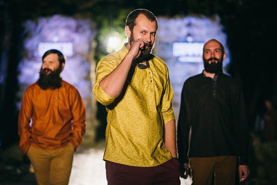Мужские рубашки от Варвары Зениной на фестивале русского костюма «Сарафан» в 2015 году