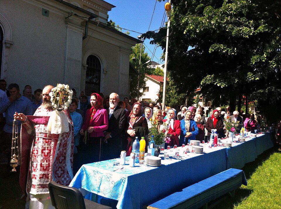 Праздничное Богослужение в храме во имя св. апостола и евангелиста Иоанна Богослова в городе Тульча (Румыния), май 2016 года