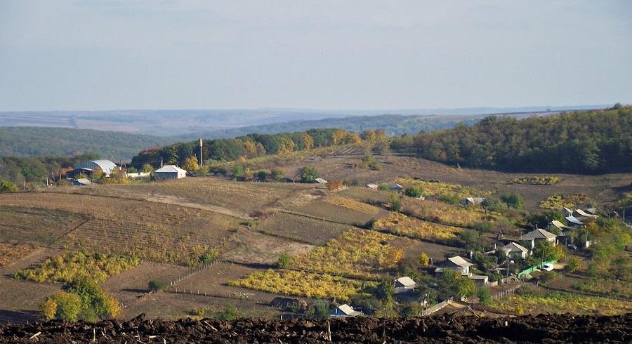 Липовень: видно восточную часть села