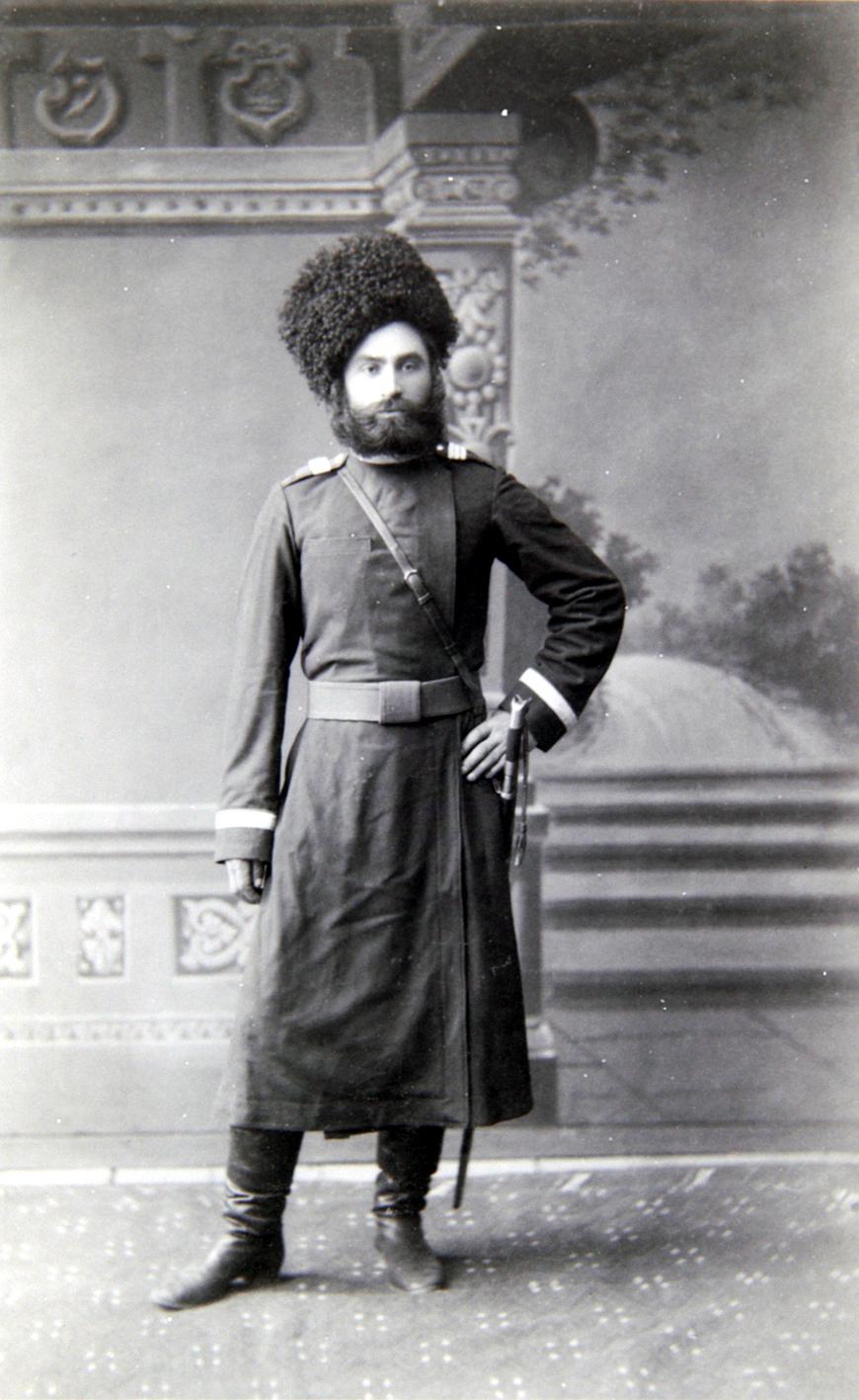 Казак Уральского Казачьего Войска. Фото А. И. Вершкова. 1891 г.