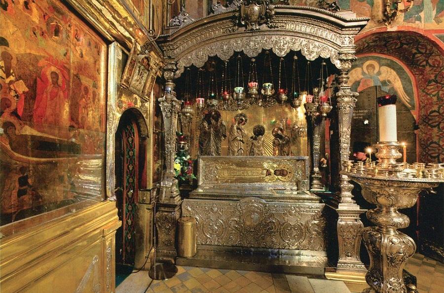 Рака с мощами преподобного Сергия Радонежского. Современная фотография