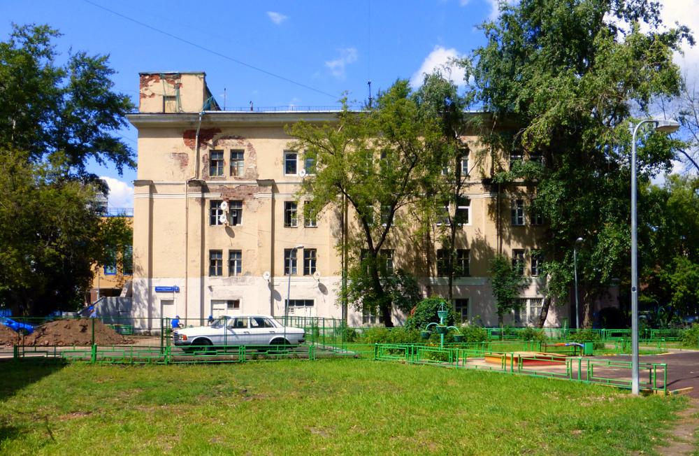 Успенский собор  на Апухтинке (ныне общежитие)