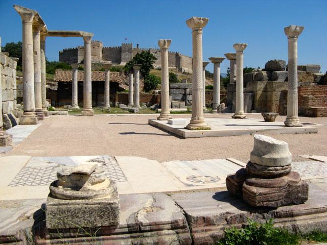 Руины базилики святого апостола и евангелиста Иоанна Богослова