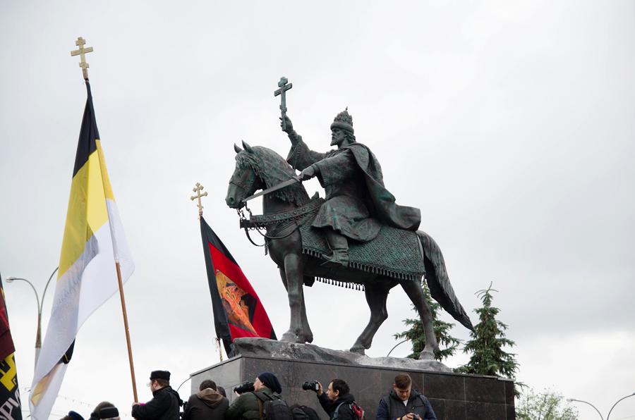 Памятник Ивану Грозному в г.Орле в день открытия 14 октября 2016 года