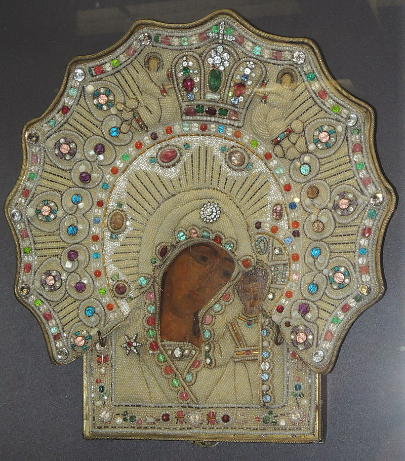 Один из старейших существующих списков Казанской иконы. 16 или 17 век, в ризе 1881 года. Ярославский музей