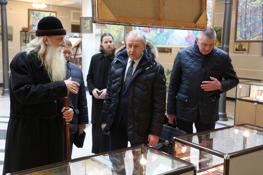 Представители власти на выставке в Доме причта «Черемшан. Возрождение»