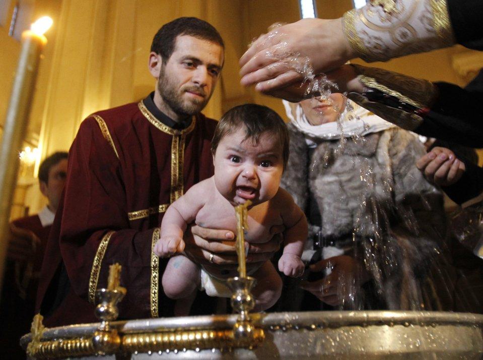 Обливательное крещение в РПЦ