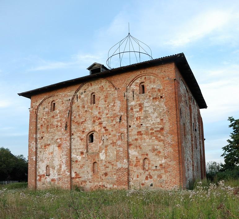 Церковь Уверения Фомы в Воскресении Христовом на Мячине в Великом Новгороде