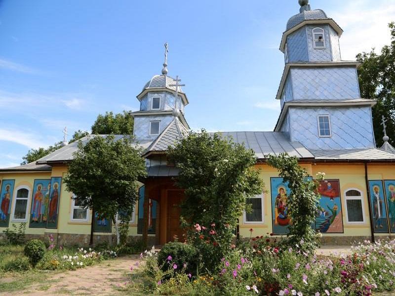 Старообрядческий храм (РДЦ) во имя великомученика Георгия в с. Черкесская Слава