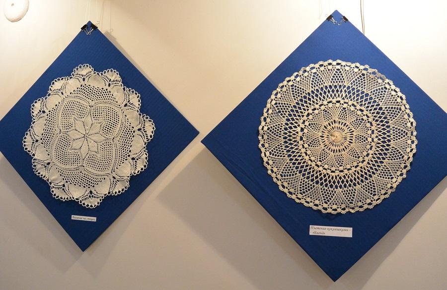 1.Вязание на спицах. 2.Плетение на коклюшках. Коллекция А.И. Юкш-Меос