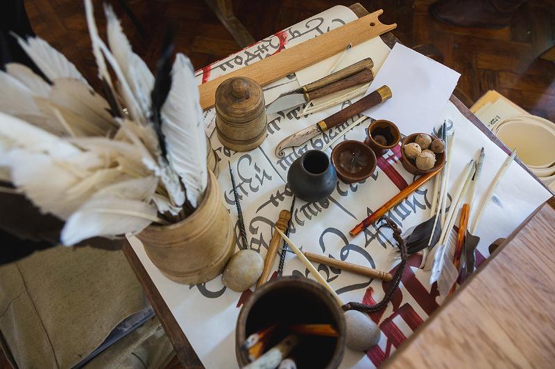 Каллиграфический инструментарий — как и столетия назад