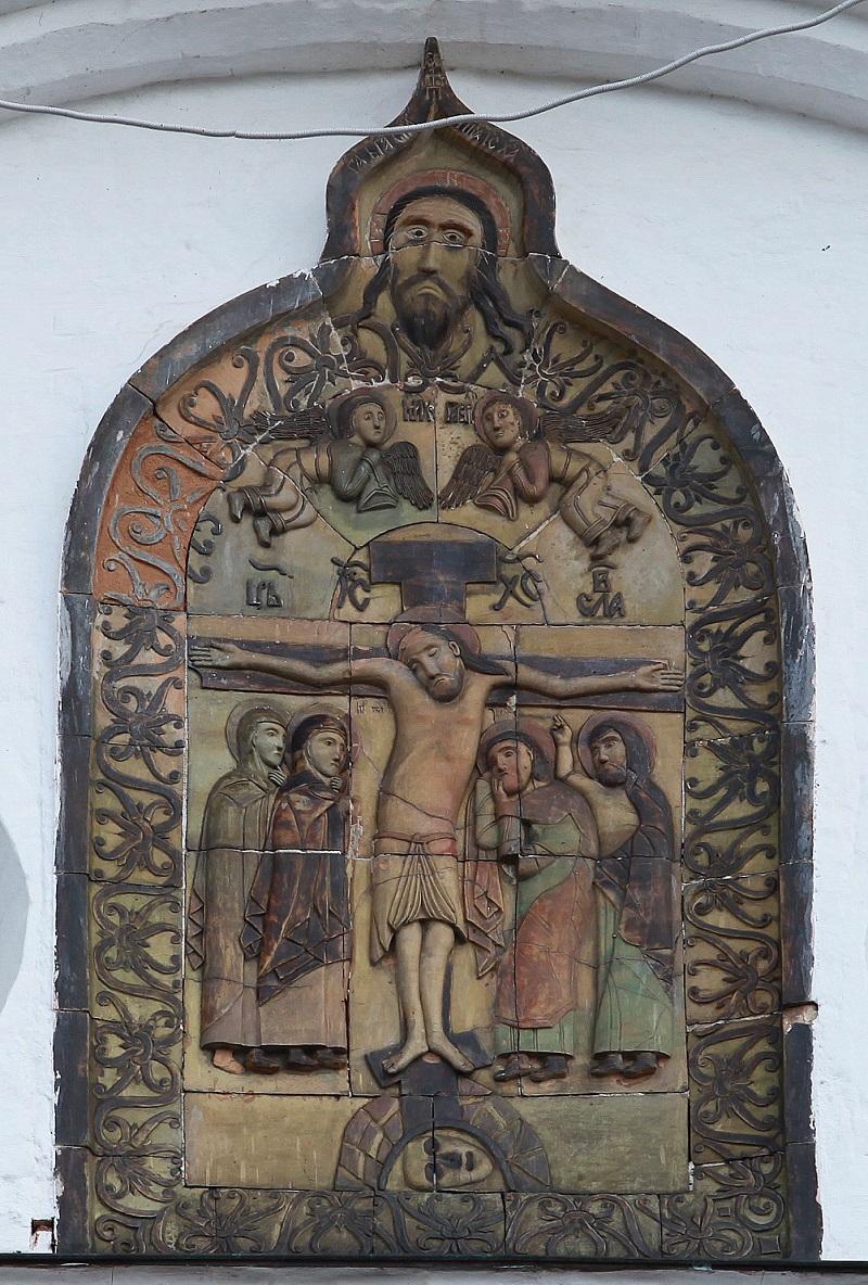 Керамическая икона на фасаде Успенского собора г. Дмитрова