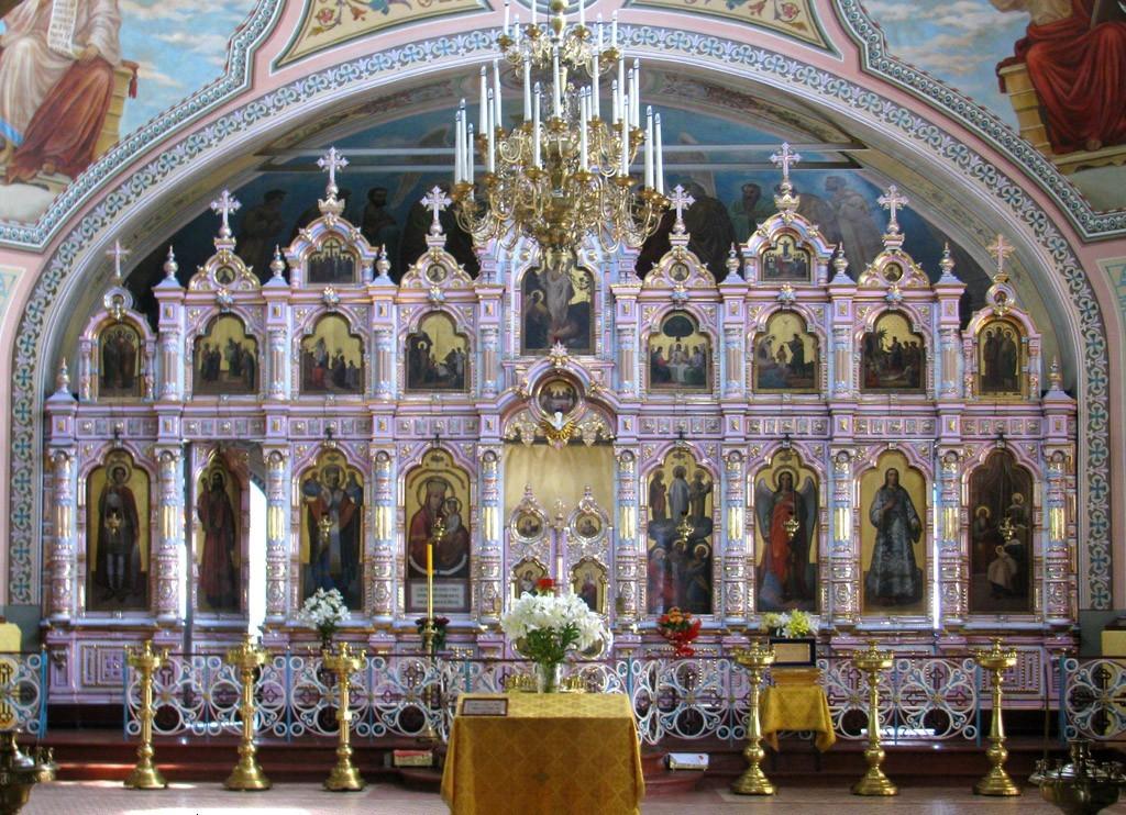 Фаянсово-эмалевый иконостас церкви Преображения Господня с. Савино (г. Железнодорожный)