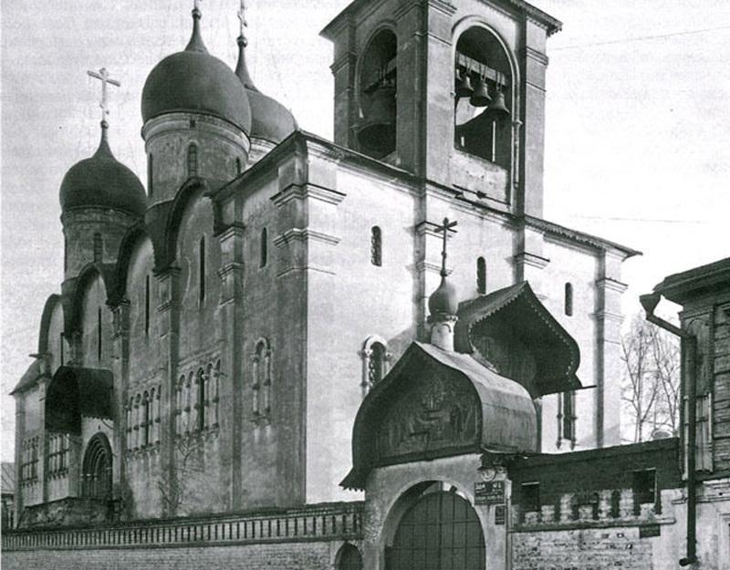 Старообрядческий храм был построен по образцу Успенского собора в Кремле
