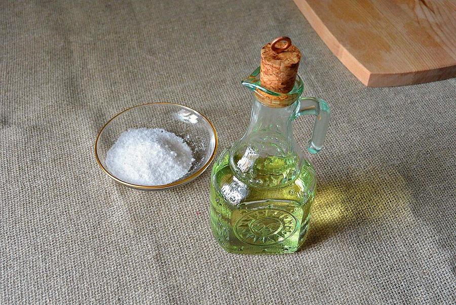 Масло и соль