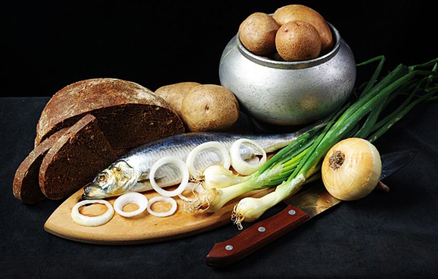 В Петров пост по уставу часто дозволяется вкушать рыбу