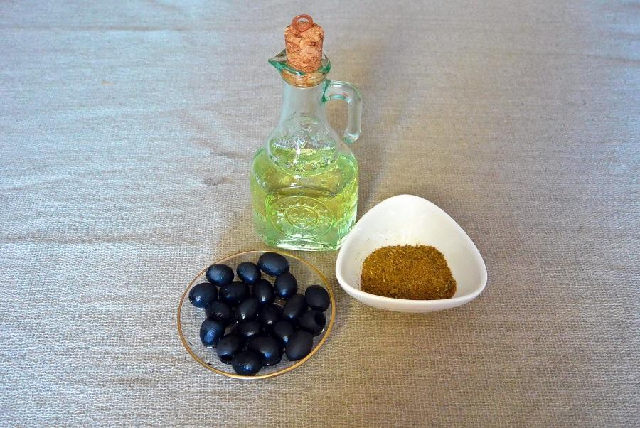 Растительное масло, оливки, пряности «Хмели-сунели»