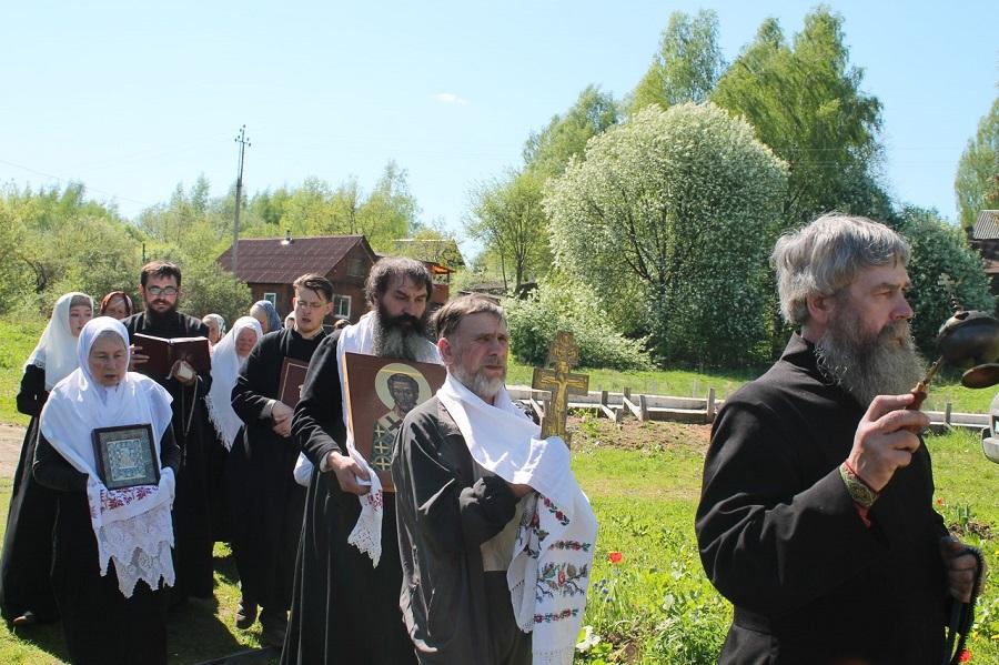 Крестный ход в Крестецкой поморской общине
