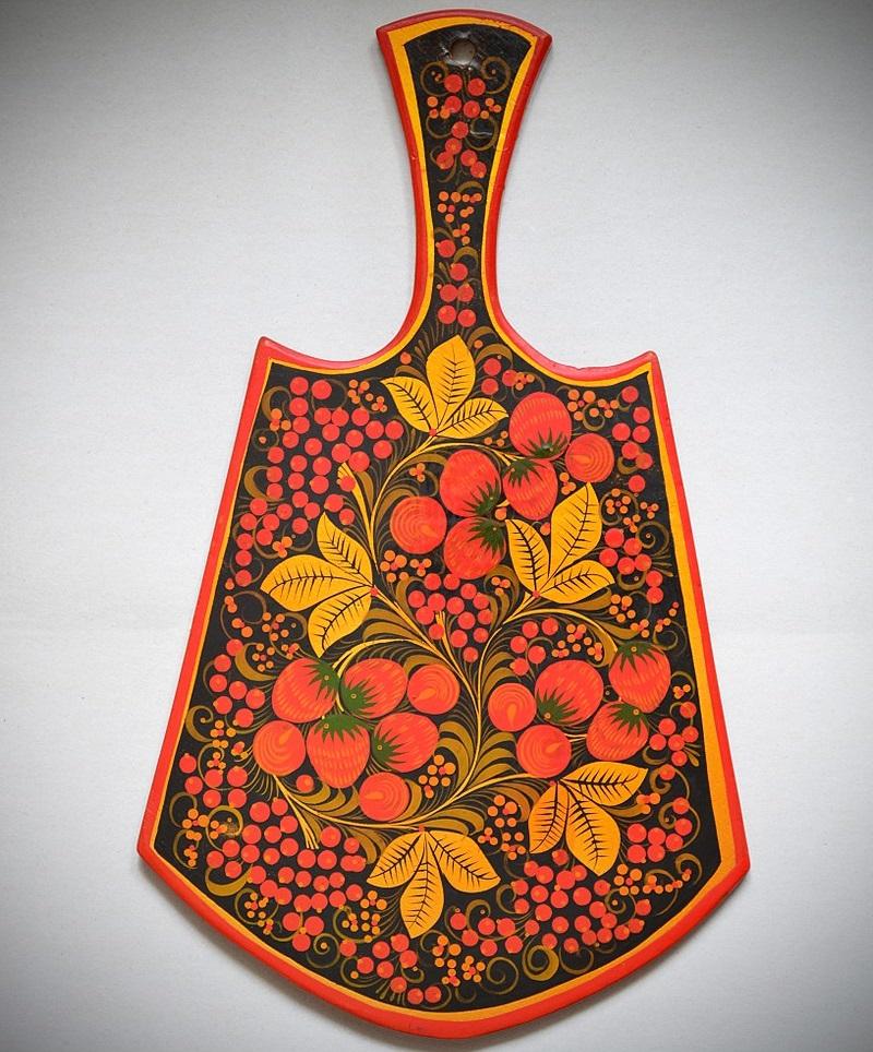 Хохломская роспись на разделочной доске