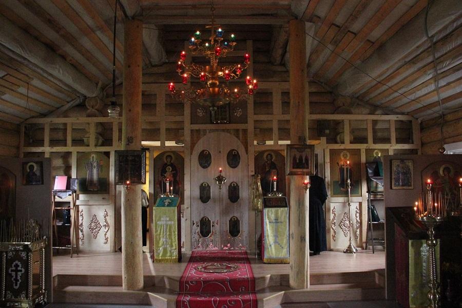 Убранство храма во имя святого князя Владимира