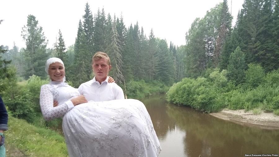 Деревня Гарь. Свадебная фотосессия