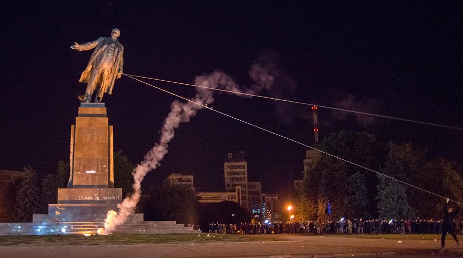 В современной Украине повсеместно идет борьба с памятниками Ленину, однако же принципы ленинской национальной политики остаются неприкосновенными и незыблемыми