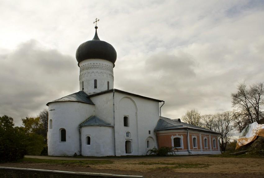 Собор Рождества Пресвятой Богородицы. Снетогорский монастырь (Псков). Построена между 1311 и 1313 гг.