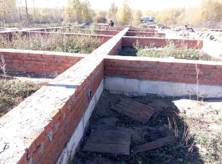 Фундамент будущего храма во имя мучеников и исповедников Соловецких в г. Людиново