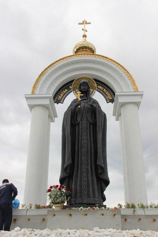 Скульптура великомученицы Варвары в Пласте Челябинской области