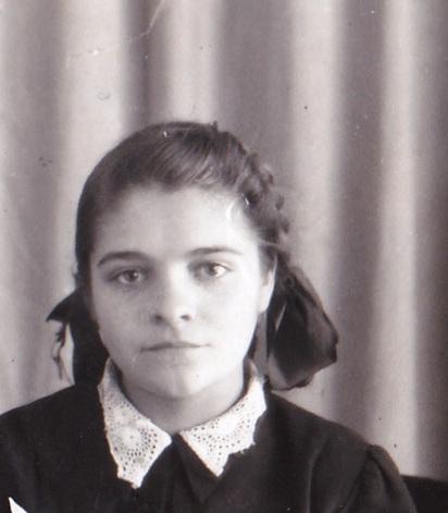 И. Ф. Шарова в молодости