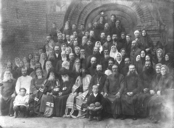 Очевидцы присоединения к Древлеправославной Церкви епископа Иргинского Стефана после хиротонии епископа Пансофия (Ивлиева). 18 сентября 1929 г.