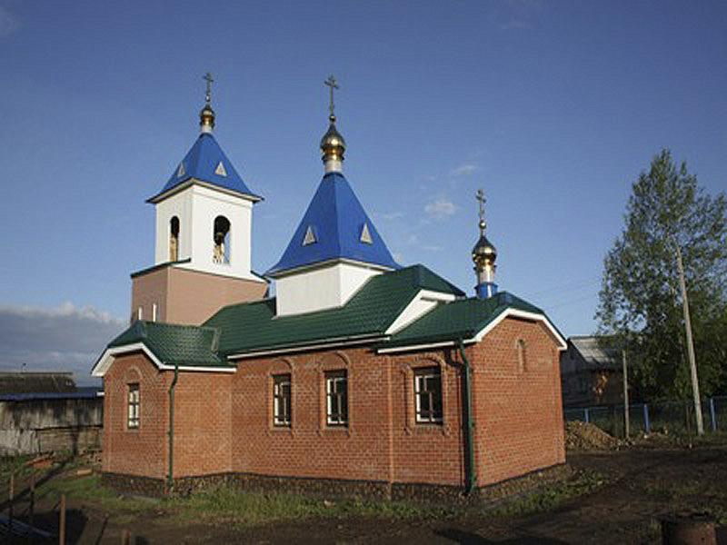 Храм святых апостолов Петра и Павла в селе Русская Тавра