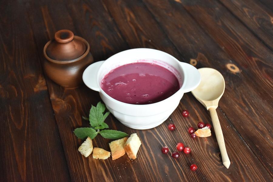 Суп изягод сосливками