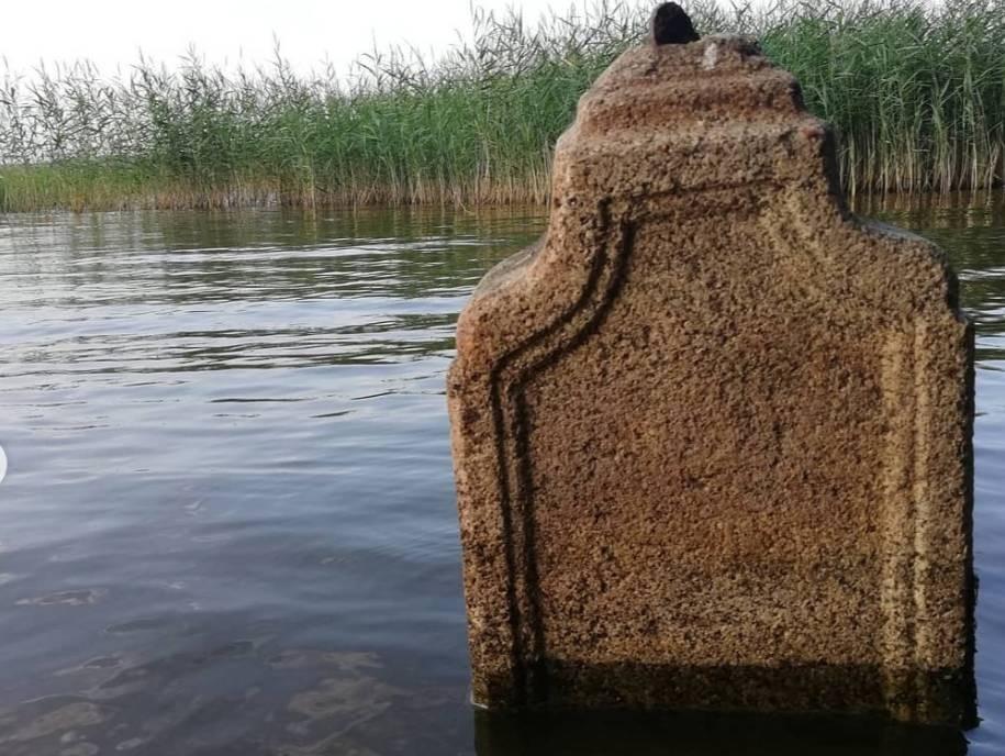 ВТверской области ушло под воду старинное кладбище