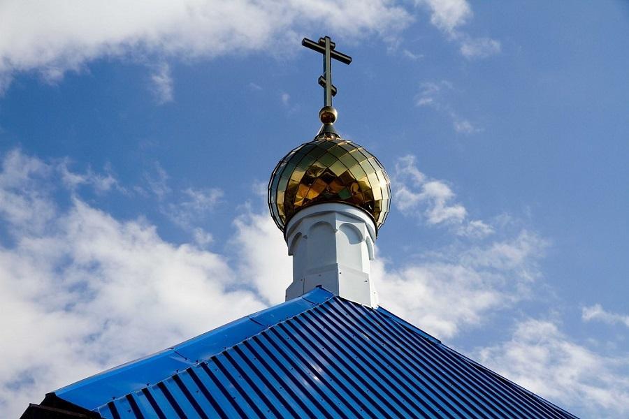 Старообрядческий храм в поселке Успех увенчали куполом