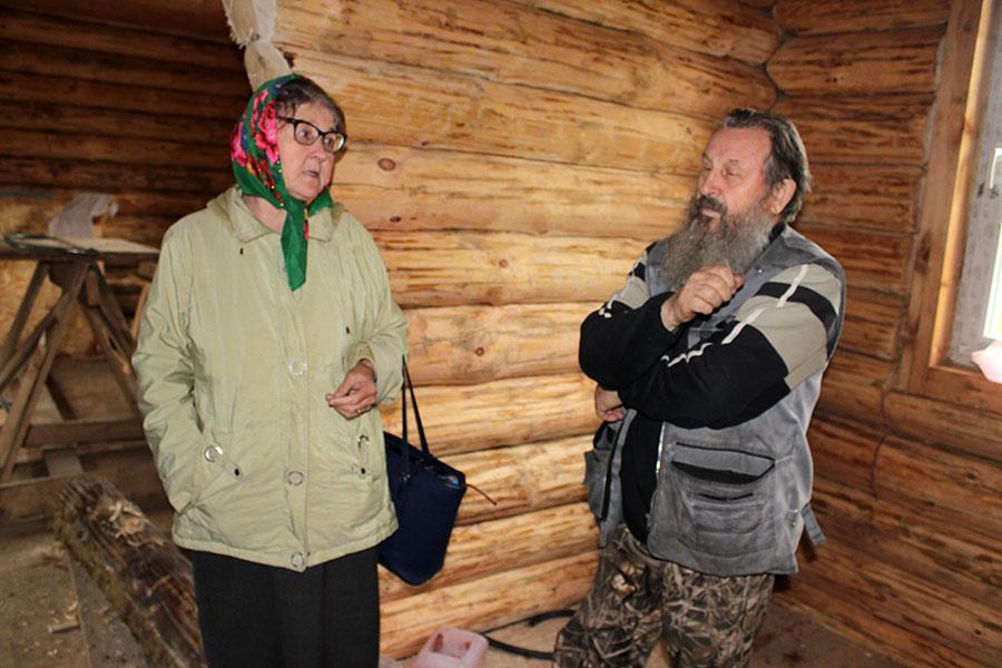 Фаина Небогина в старообрядческом молельном доме Печоры