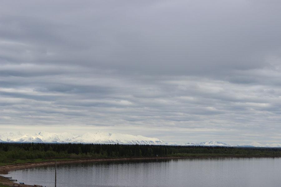 Вид на Уральские горы из деревни Аранец